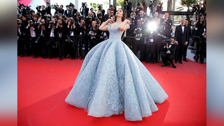 aishwarya rai bachchan at Cannes 2017 redcarpet