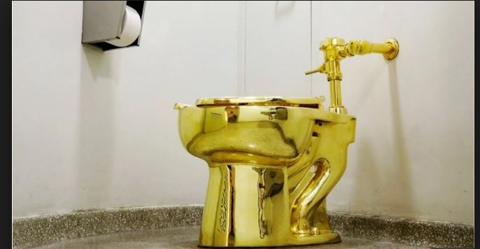 Gold toilet in British Palace