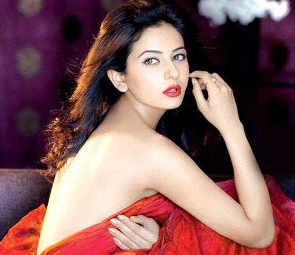 See Rakul Preet Singh Hot Style