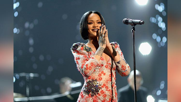 Top 5 Highest Paid hollywood Female Singers