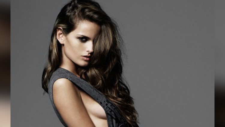 Brazilian model Izabel Goulart share her Halloween looks photo