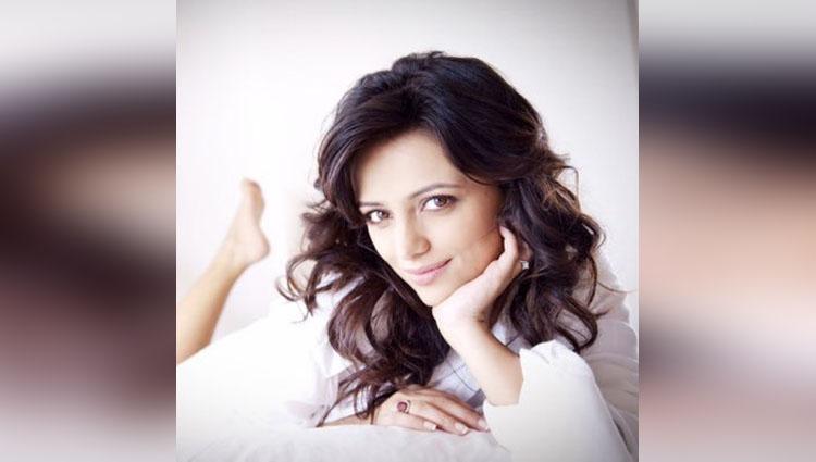 happy birthday Roshni Chopra