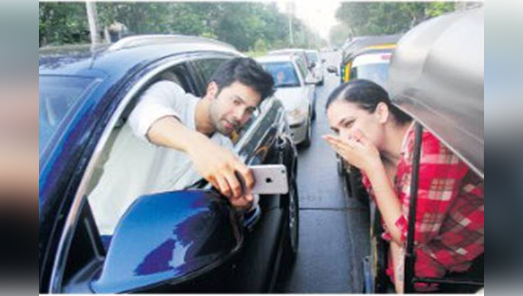 mumbai police fined him varun dhawan for selfie stunt