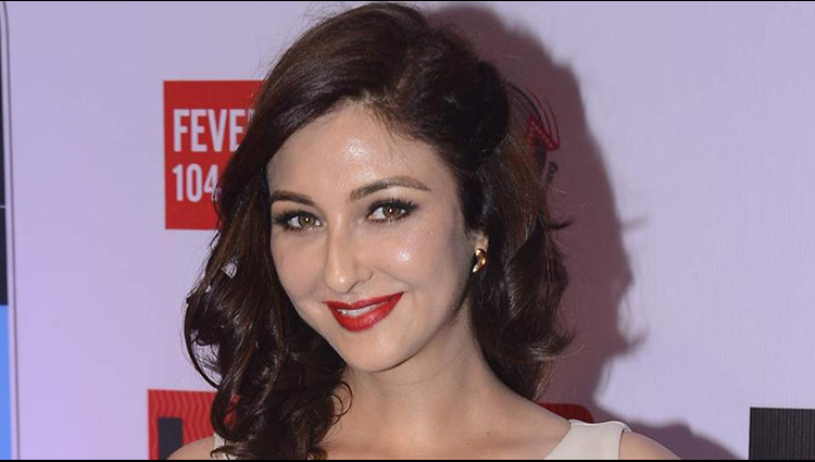 saumya tandon share her sexy photos