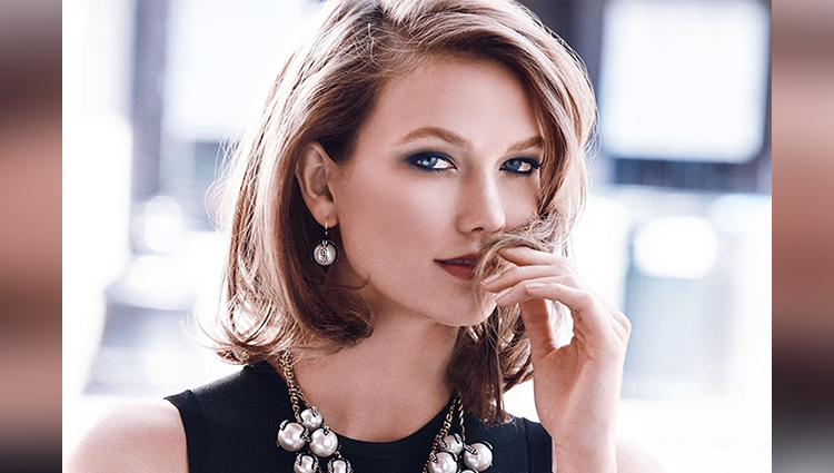 Karlie Kloss share her sexy or bold photos on instagram