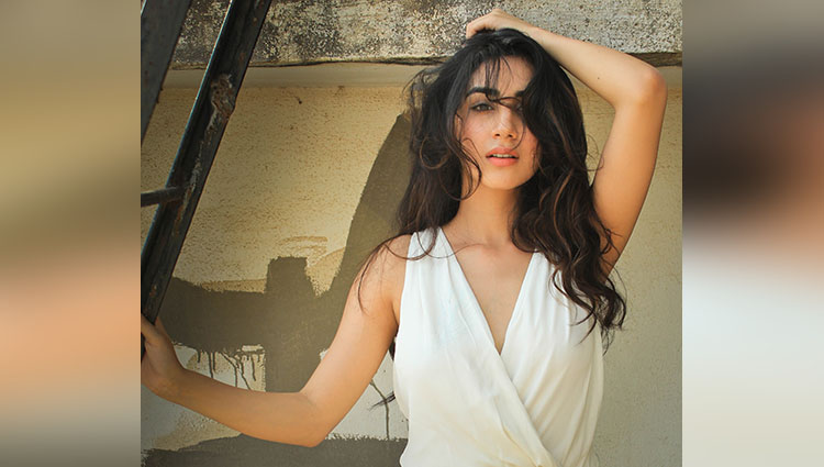 parul gulati hot and bold photos