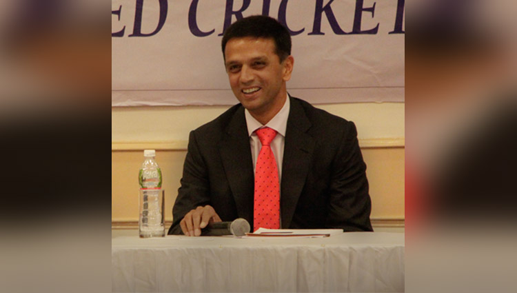 rahul dravid spotted in public again like a common man