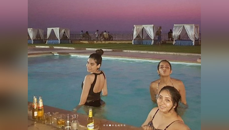 anjum fakih enjoy in swimming pool goa