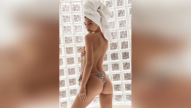emily ratajkowski just posted some killer pics of bathroom