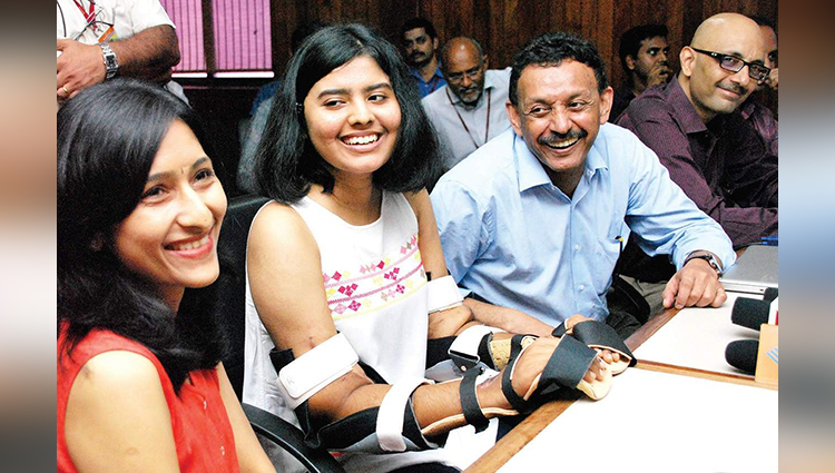india's first hand transplant surgery successful in kochi