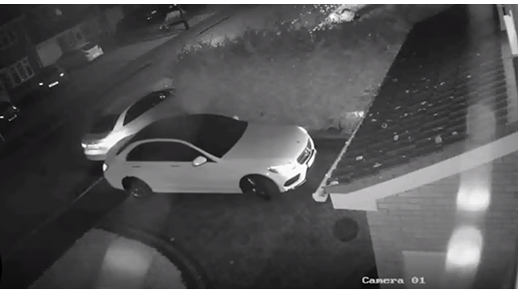 mercedes stolen in less than 60 seconds high tech theft caught on cctv