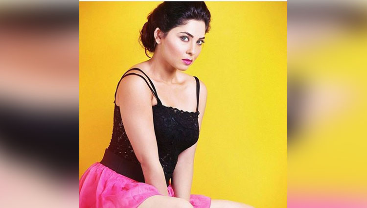 sonalee kulkarni hot and bold photos