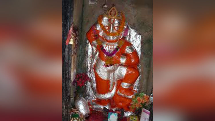 Lord Hanuman idol suddenly changes its swaroop large
