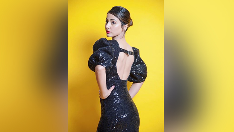 hina khan sexy in black shining dress