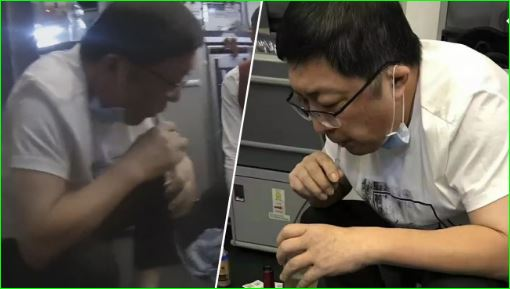 Doctor saves life by sucking urine from bladder mid flight