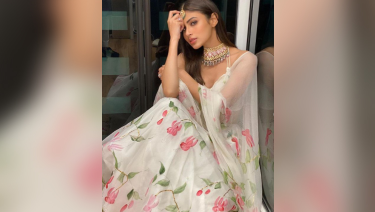 mouni roy hot photos bold and sexy model