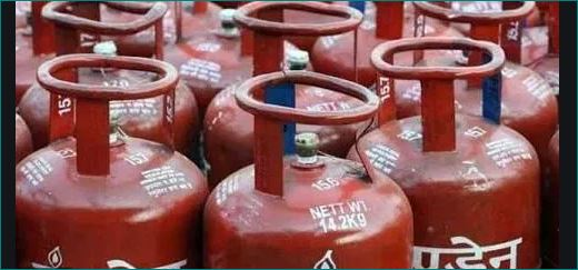 why gas cylinder color red