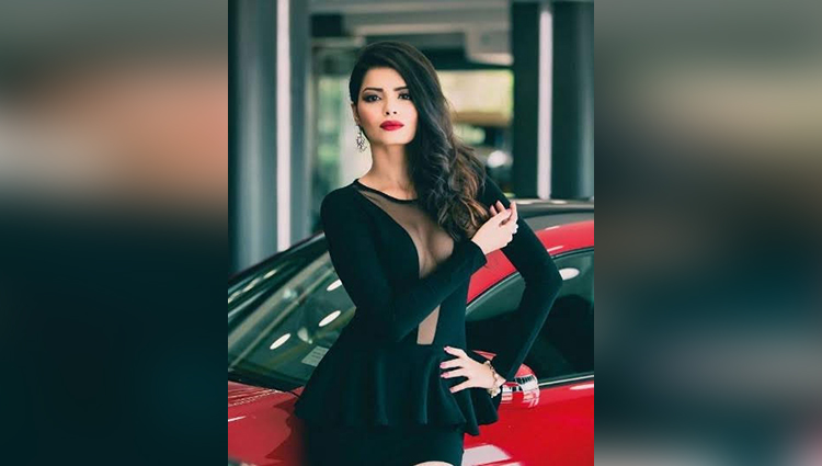 Sonali Raut looks smoking HOt