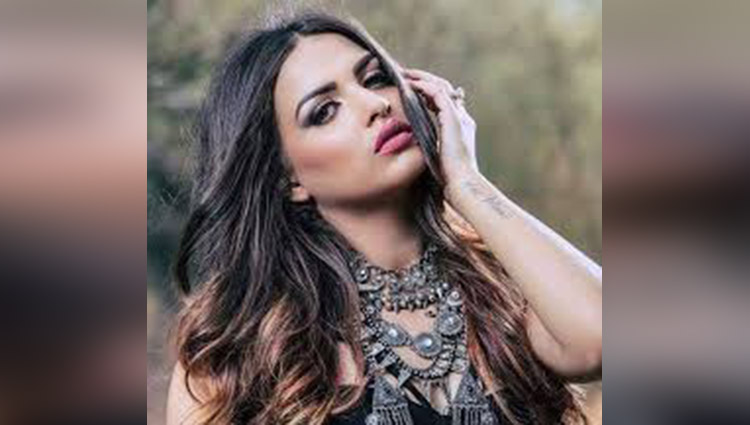 himanshi khurana hot and sexy photos viral