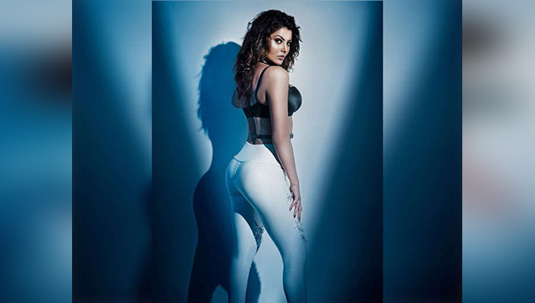 Urvashi Rautela First Look From Hate Story 4