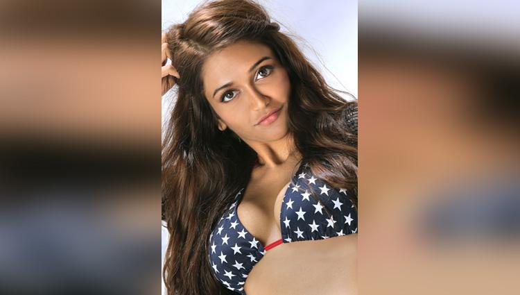 Anaika Soti very hot actress in telugu movies