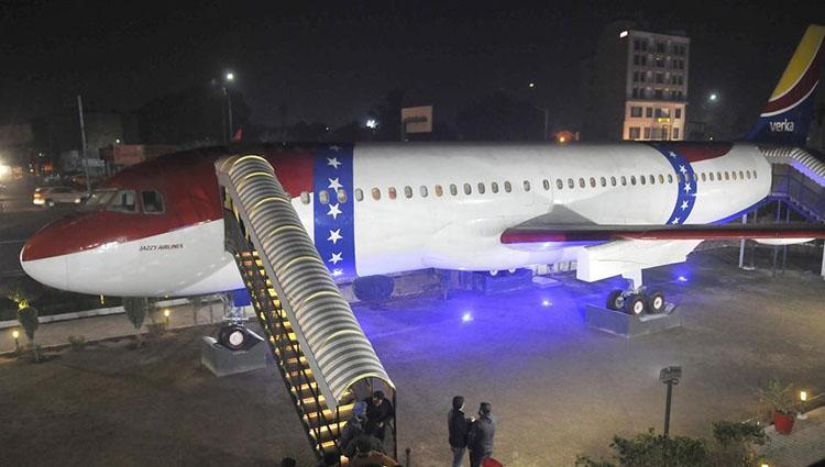 indias first plane restaurant