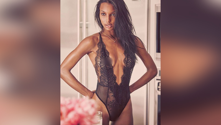 Jasmine Tookes share her hot and bold photos