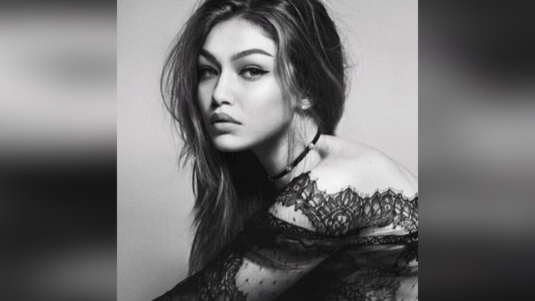 Gigi Hadid share her hot photos