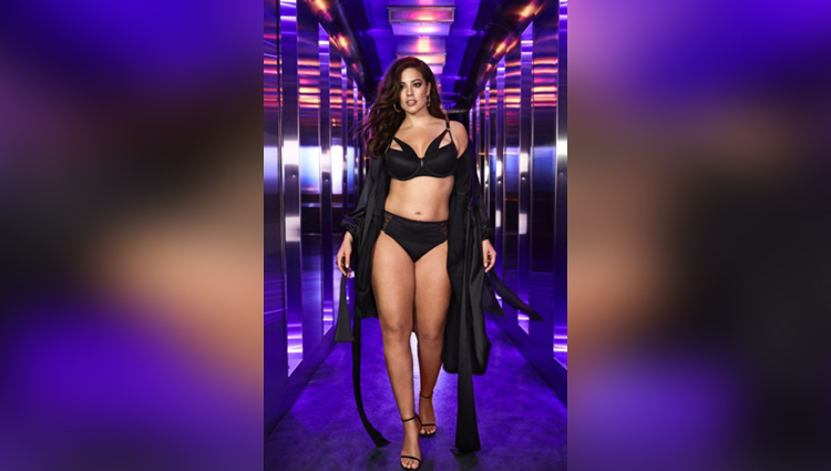 Ashley graham Hot at NYFW