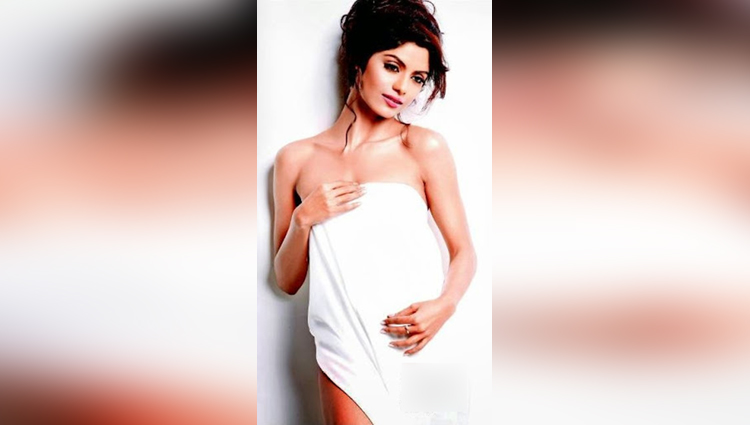 Sayantani Ghosh hot photos viral on social sites