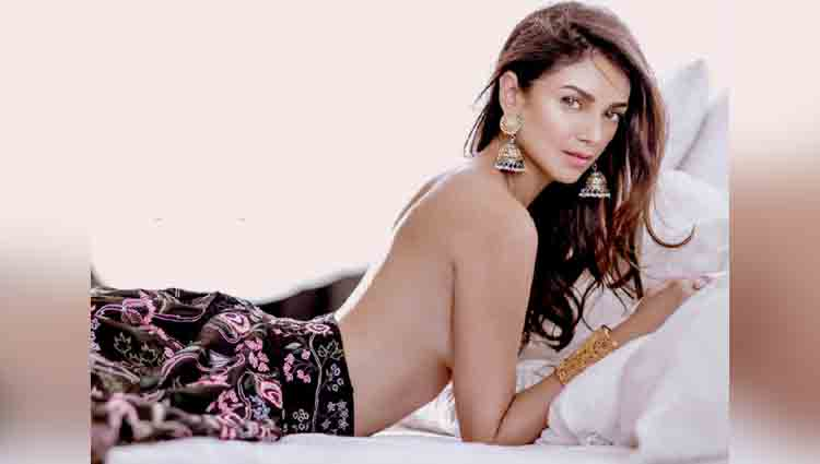 Here your ultimate wedding planning guide, starring Aditi Rao Hydari