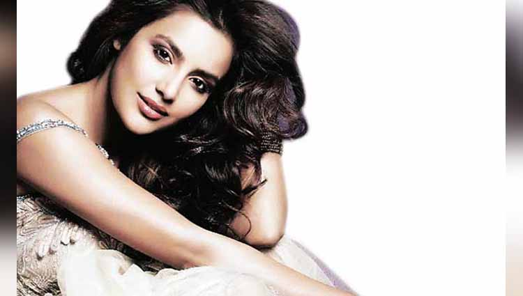 Priya Anand happy birthday