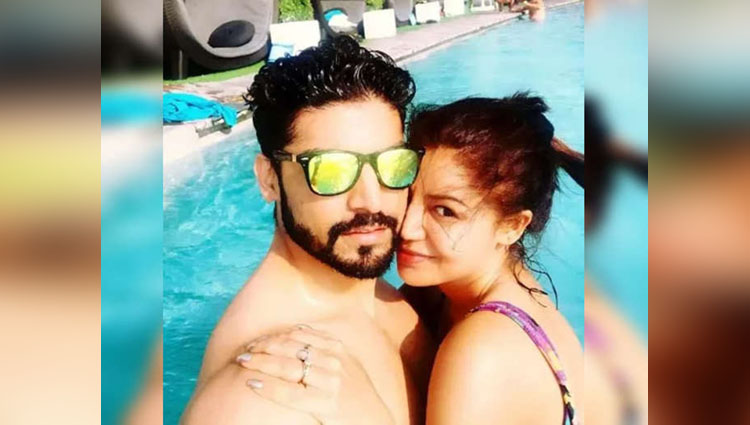 Tv Couple Gurmeet Choudhary And Wife Debina Bonnerjee enjoy in goa