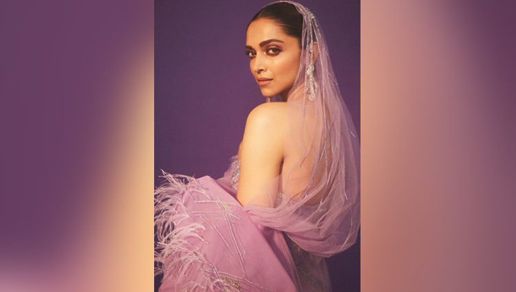 iifa awards 2019 deepika padukone looks hot in purple dress