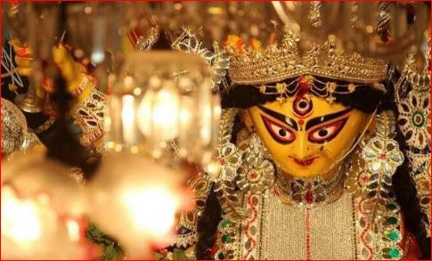 This Durga idol in Kolkata is made of 20 crore rupee worth of gold