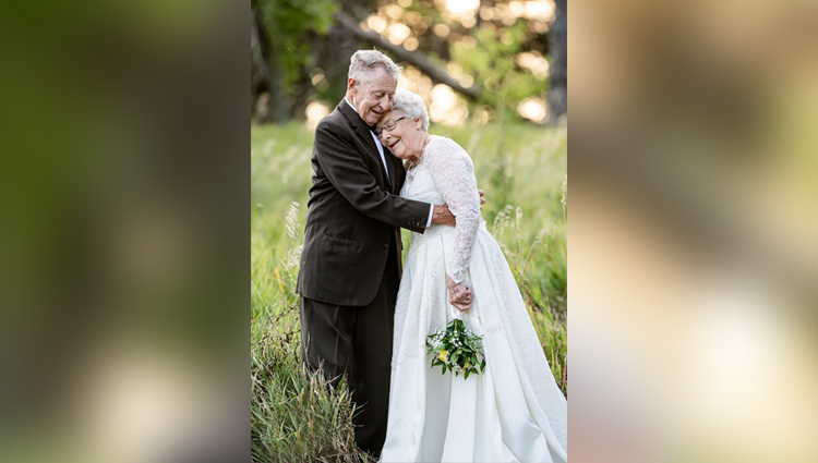 Elderly couple married for 60 years recreate wedding day photos for anniversary