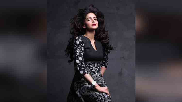 pakistani actress saba qamar hot photos