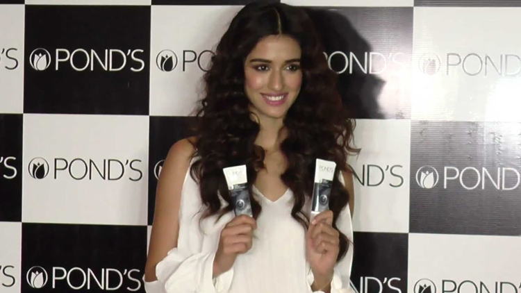 Disha Patani Became The Brand Ambassador Of Ponds Cream, See What All Question Made Her Blush In An Event
