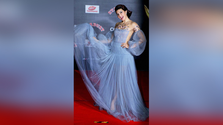 bollywood actress more beautiful in gowns