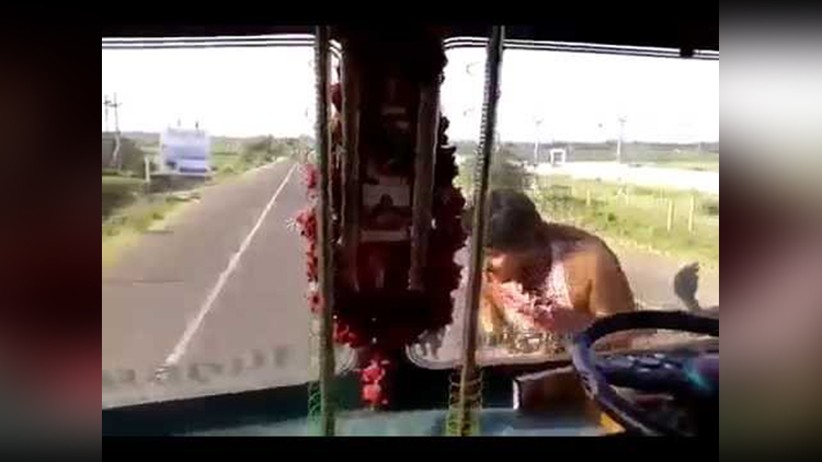 indian funny truck driver