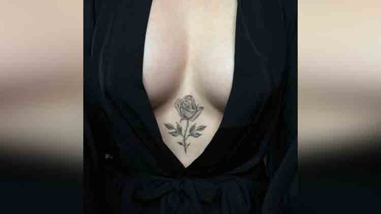 tattoos on women cleavage part