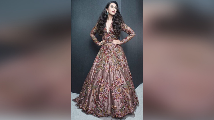Karisma Kapoor picture perfect pose